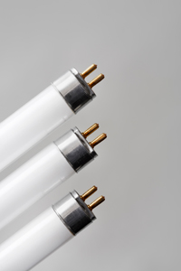 Fluorescent tubes with T5-connectors